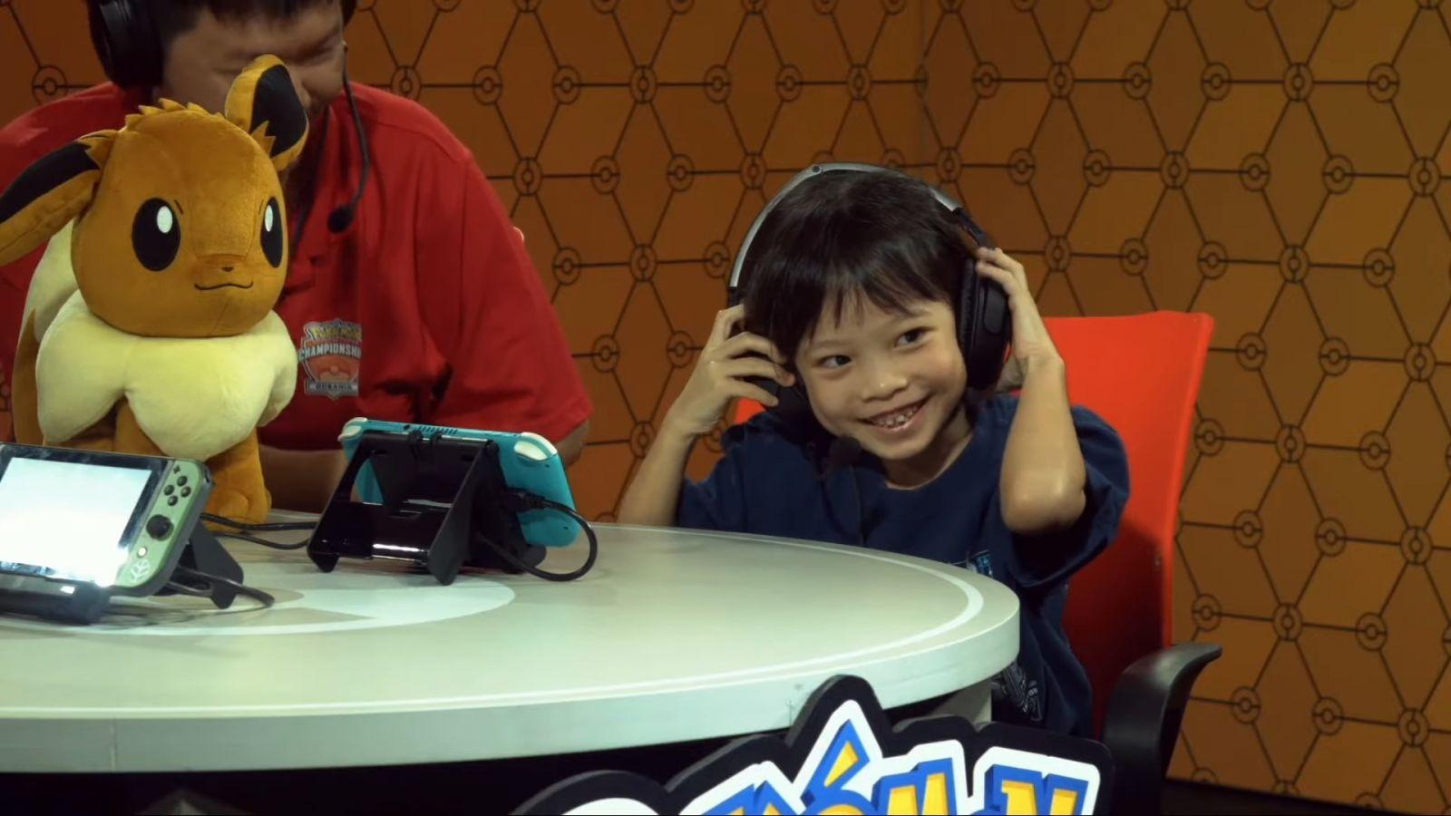 niña de 7 años gana torneo pokemon